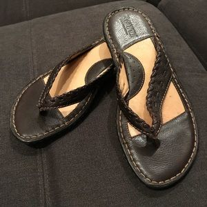 Born Women's Thong Leather Sandals Brown Size 6